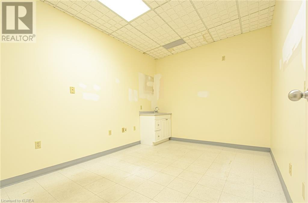 108 Angeline Street S Unit# 2, Lindsay, Ontario  K9V 3L5 - Photo 11 - 40148928