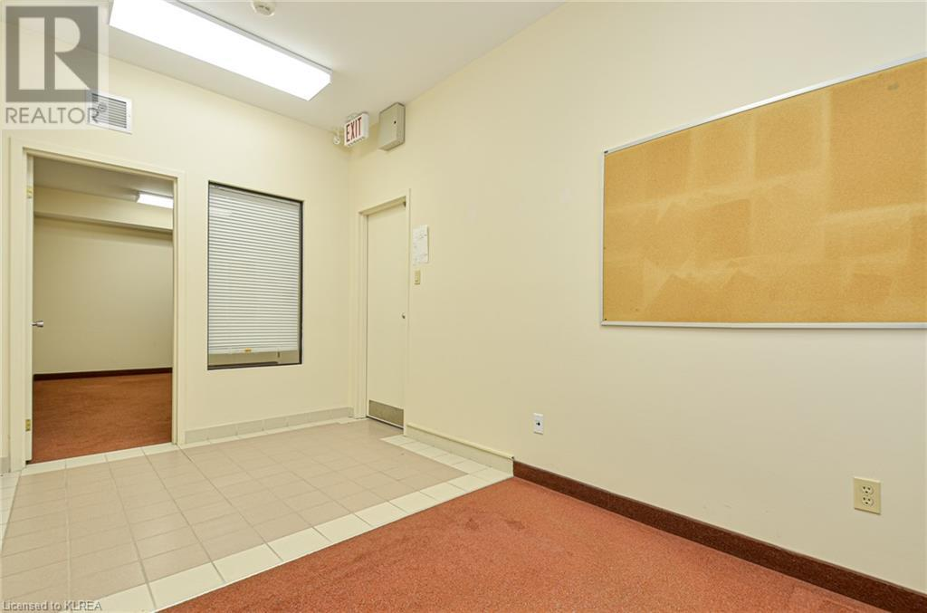 108 Angeline Street S Unit# 6, Lindsay, Ontario  K9V 3L5 - Photo 4 - 40148565