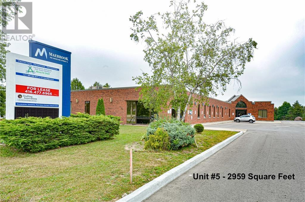 108 Angeline Street S Unit# 5, Lindsay, Ontario  K9V 3L5 - Photo 1 - 40157245