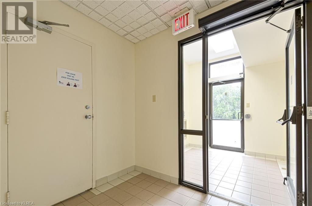 108 Angeline Street S Unit# 5, Lindsay, Ontario  K9V 3L5 - Photo 3 - 40157245
