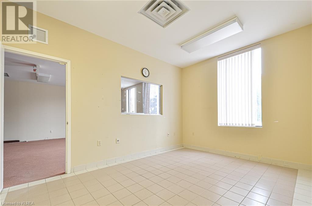 108 Angeline Street S Unit# 5, Lindsay, Ontario  K9V 3L5 - Photo 4 - 40157245